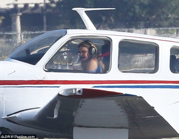 Caitlyn Jenner Spotted Flying Solo