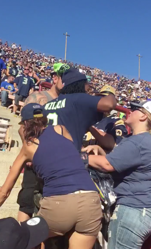 Rams Seahawks Fan Fight At The Coliseum