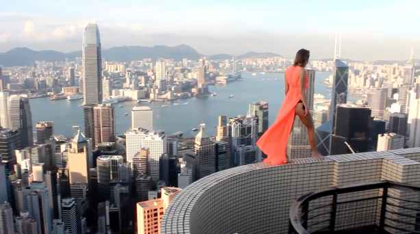 Craziest Girl Rooftopper In The World