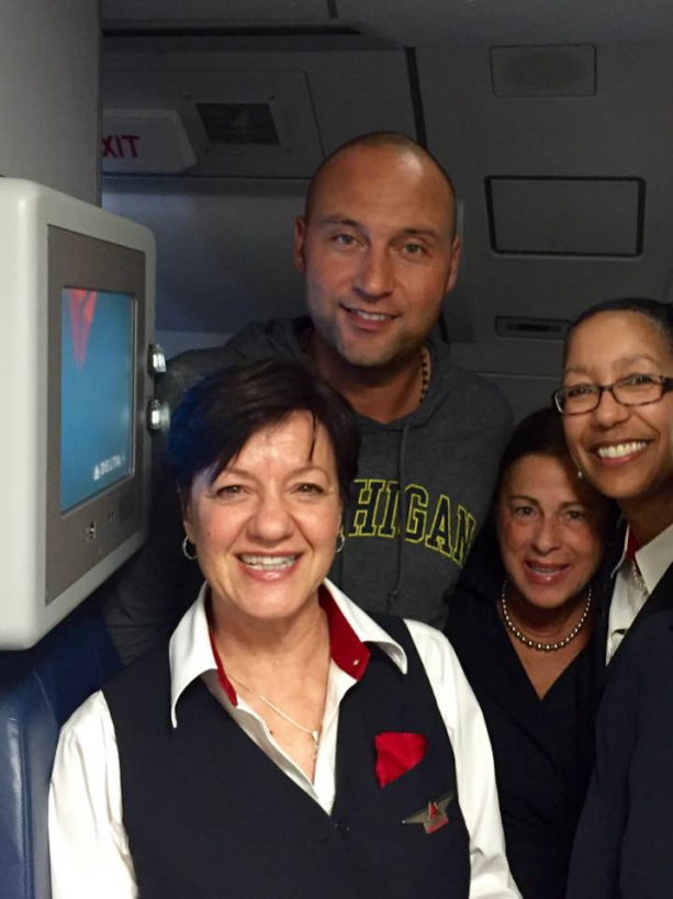 Derek Jeter Fan Friendly On Delta Flight