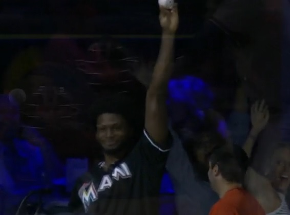 Justise Winslow throws out first pitch, catches home run