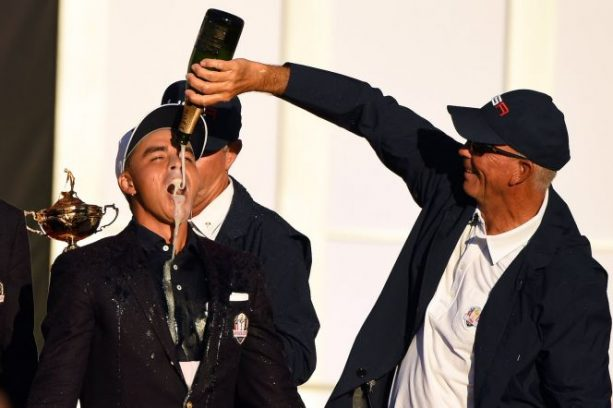 Rickie Fowler's Kiss-less Pic is An Instant Classic