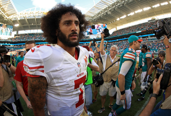 Colin Kaepernick clarifies remarks on Fidel Castro