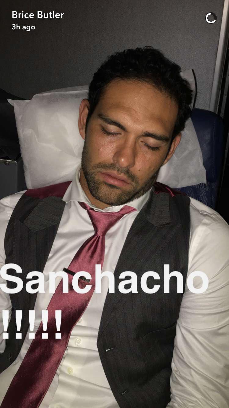 Mark Sanchez Still in Demand for Pics