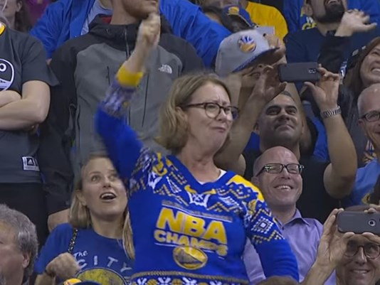 Golden State Warriors 'Mom' Fan Back at It