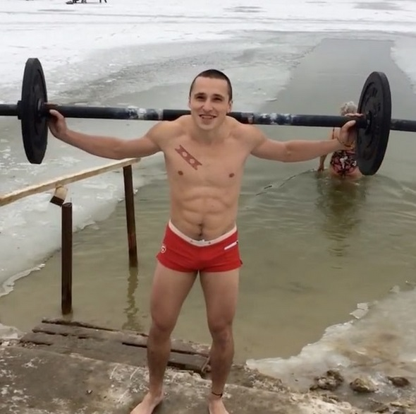Russian Takes Squats to Another Level