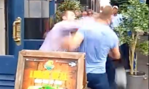 Irish Bouncer Knocks Out two Drunk Idiots