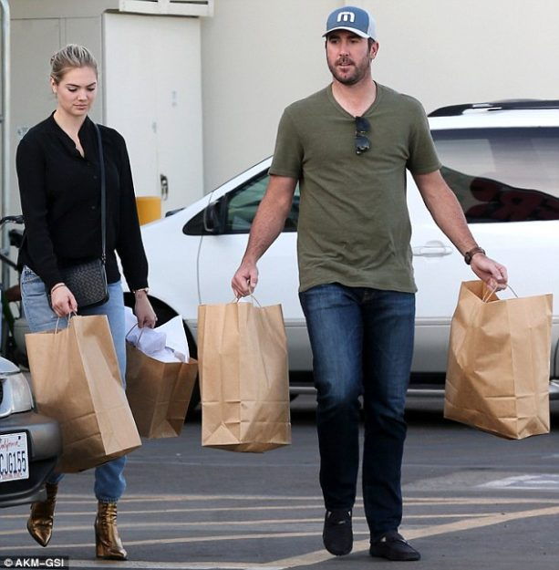 Kate Upton and Justin Verlander Get Some Retail Therapy