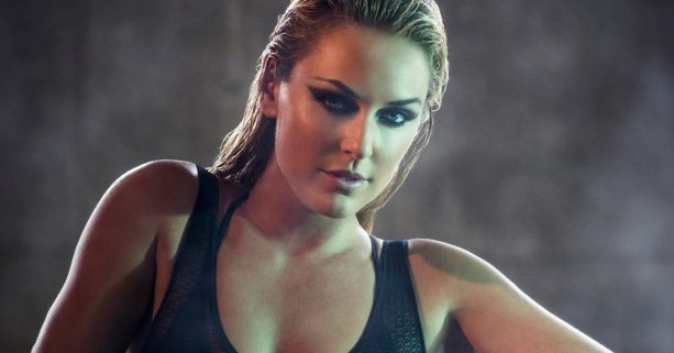 Lindsey Vonn Shows us How to Correctly do a Pushup