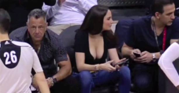 Hot Atlanta Hawks Fan's Courtside Cleavage is Breathtaking