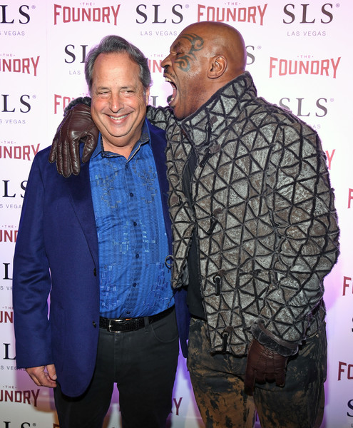 Mike Tyson Pulls the Signature Pose on Jon Lovitz