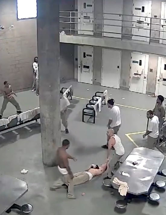 Wild Brawl At Cook County Jail Leaves 5 Stabbed