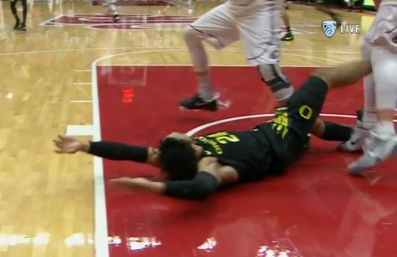 Oregon's Dillon Brooks Received A Flagrant 2 For Kick To Opponent's Groin