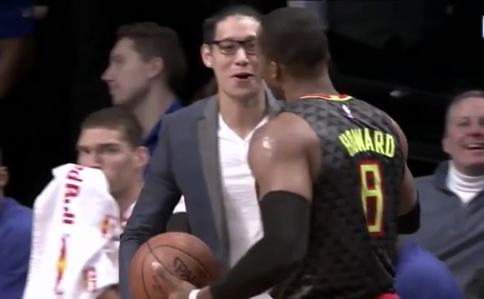 Dwight Howard Dabs on Jeremy Lin