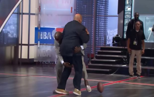 Shaq Laid Out Charles Barkley On The NBA On TNT Set
