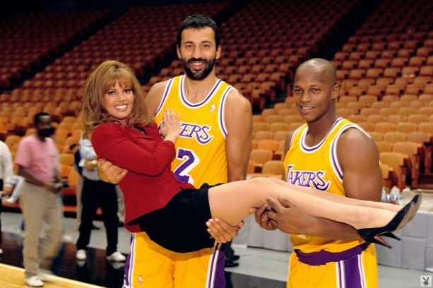Jeanie Buss Says Sorry For Lakers Struggles