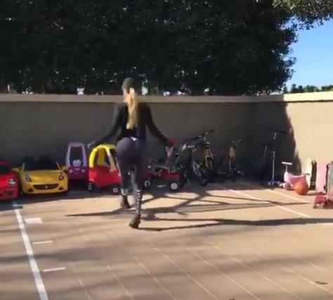 Khloe Kardashian Can Jump Rope Like a Champ