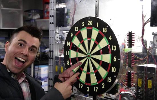 Video: Automatic Bullseye Dart Board
