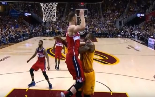 LeBron James Took A Flying Knee To The Junk During Loss To The Wizards
