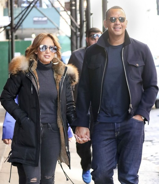 A-Rod and J-Lo Play Hand-Holders in SoHo