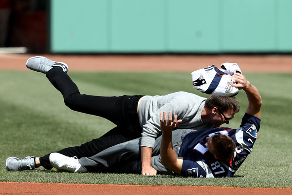 Gronk Steals Tom Brady's Jersey and Brady tackles Him!