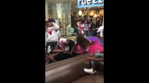 Raw Video of Crazy Royal Rumble Brawl at Orange Park Mall