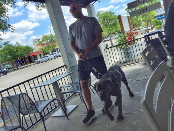 Derek Jeter & Dog Fan Friendly At Coffee Shop In Tampa