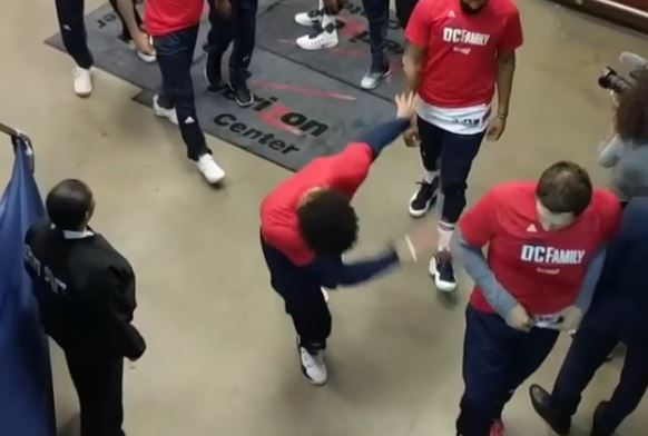 Kelly Oubre's Pregame Dance Revealed