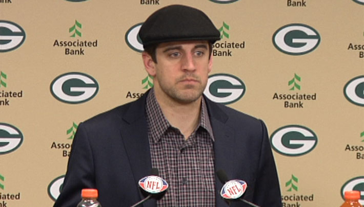 Aaron Rodgers Gets High School Students Out Of Their Final With A Retweet
