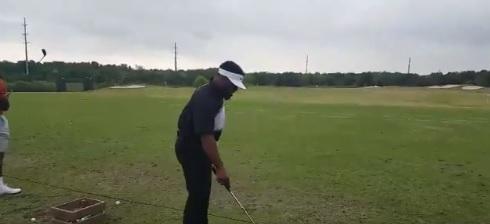Ezekiel Elliott's Golf Swing Isn't Elite
