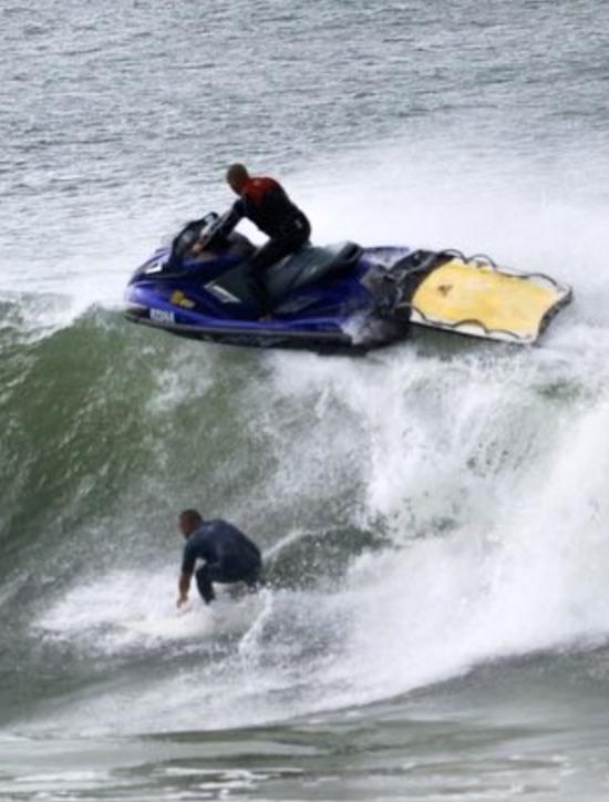 Jet Ski Piot Ignores Laws & Almost Kills Surfer
