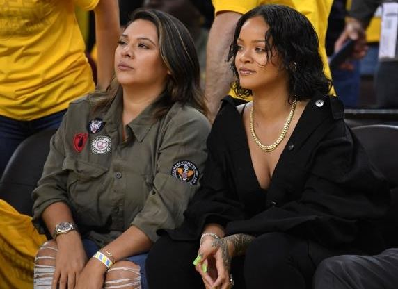 An Apple Executive Denies He Yelled At Rihanna To Sit Down During Game 1 Of The NBA Finals