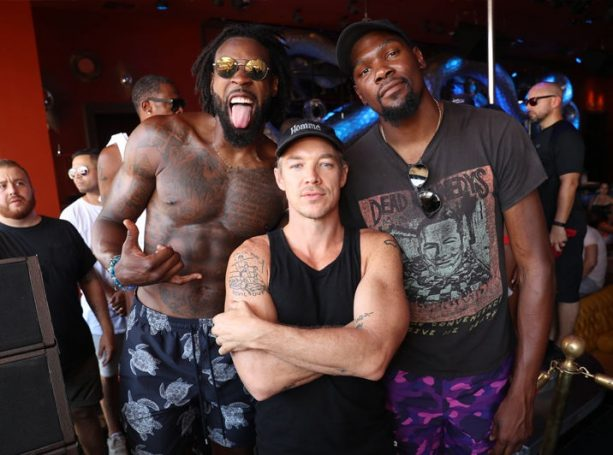 DeAndre Jordan Gets Down with Kevin Durant at Vegas Bday Pool Party