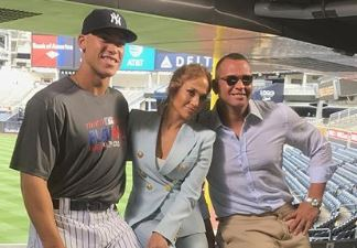 A Rod and J Lo Snap A Pic With A Yankees Rookie