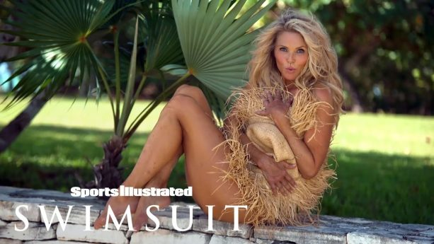 Christie Brinkley Goes Completely Bare In Stunning Comeback