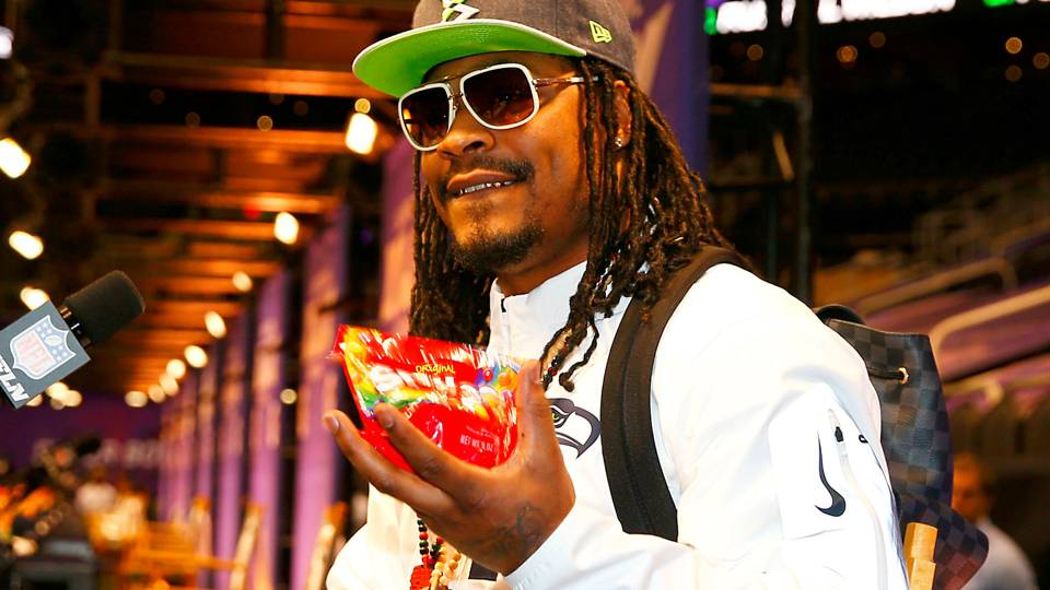 Marshawn Lynch Jacked A Fan's Bag Of Skittles