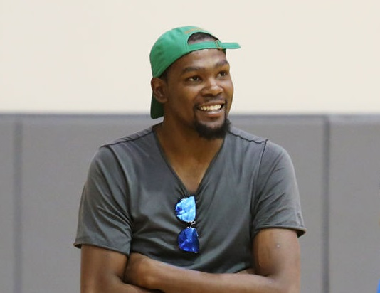 Kevin Durant Has a Twitter Burner Account