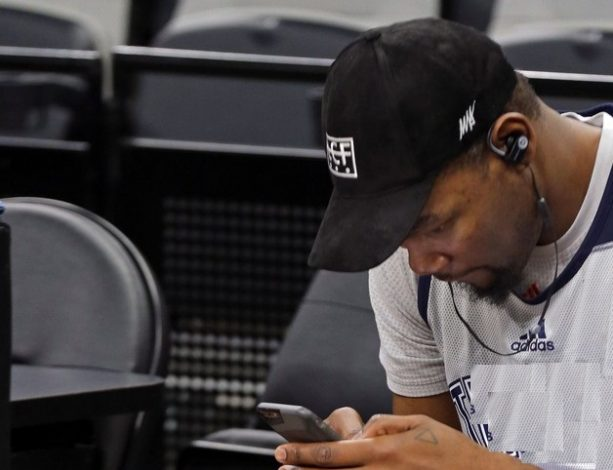 Kevin Durant Unfollowed Six Girls
