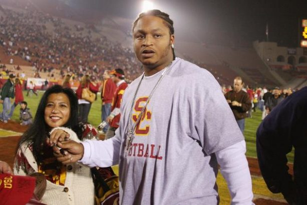 Former USC Star Running Back Says He Sustained 20-30 Concussions
