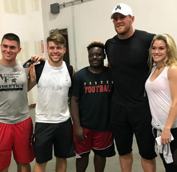 JJ Watt And Girlfriend Helping Houston