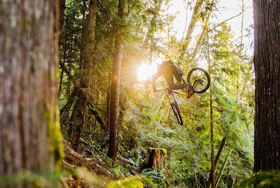 MTB Video- 100 Seconds of Ultimate Flow | RAW 100