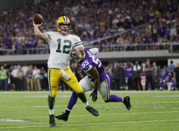 Aaron Rodgers Cursing at Anthony Barr After Suffering Broken Collarbone
