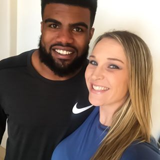 Ezekiel Elliott Getting Cupped by this Girl