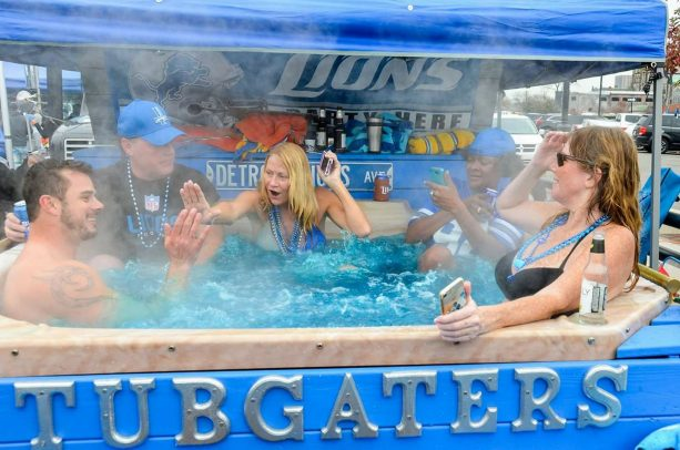 The Detroit Lions Tubgaters Will be Tubbing During Thanksgiving