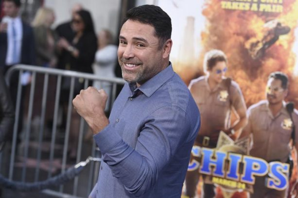 Oscar De La Hoya Wants To Fight Conor McGregor