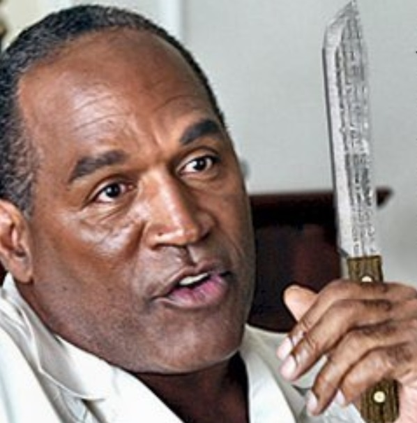 OJ Simpson Spotted Dining with all the Ladies
