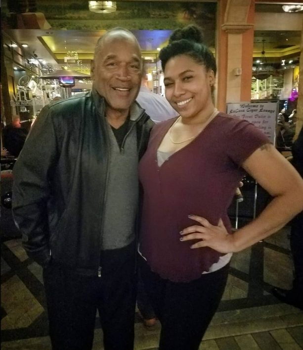 OJ Simpson Slashes Over to Sin City Cigar Bar