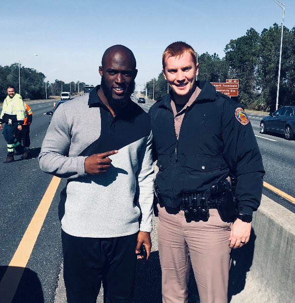 Leonard Fournette Signed His Bumper & Gave To First Responder To HIs Accident