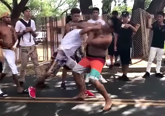 Video- Street Fights In Hawaii Are Insane, These Guys Can Throw Down