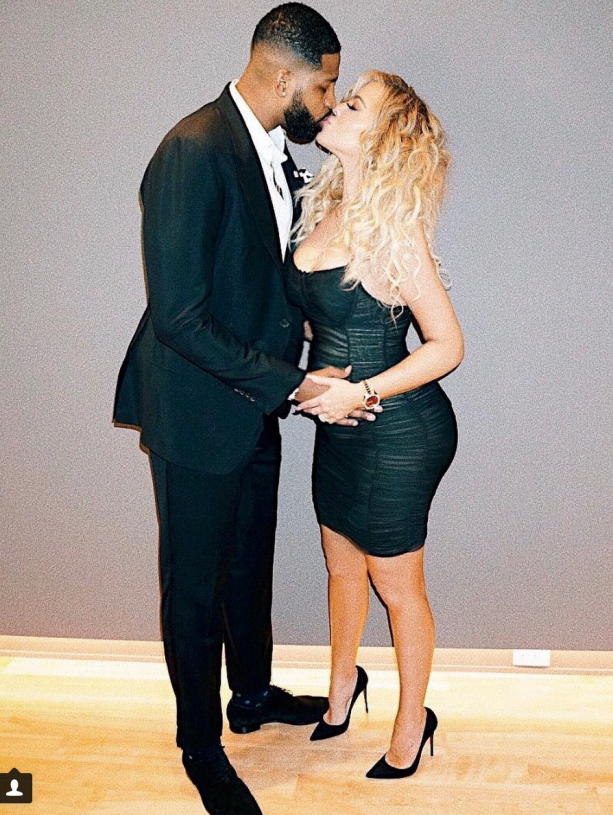 "Khloe Kardashian's ""Baby Bump"" Shrinks and Grows By The Hour"